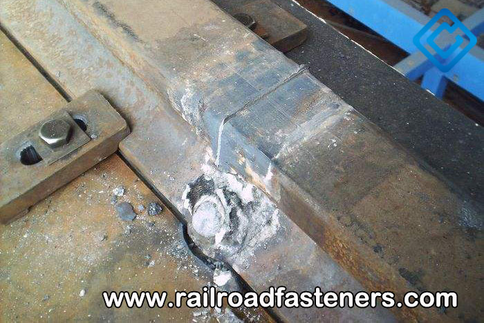 Welded joint of steel rail